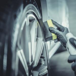 Auto Reinigung und Pflege aufbereitung 4 300x300 - Polish and Clean Würzburg